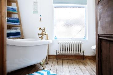 bathroom-2987001_1280